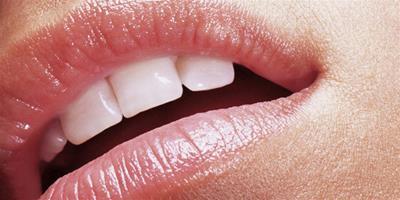 嘴唇起皮是什麼原因