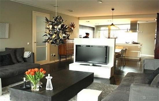 半隔断电视背景墙 更灵活使用室内